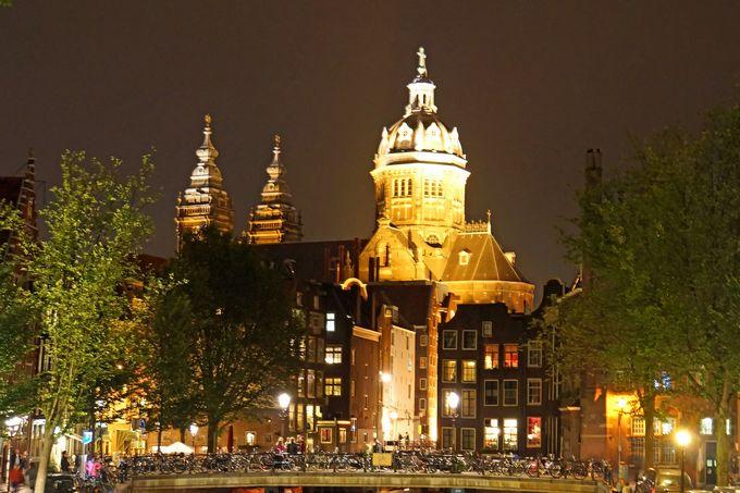 Basilica of St. Nicholas, Amsterdam. (Photo: Dennis Jarvis / Flickr)